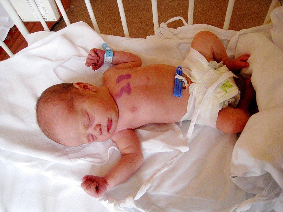 Tomášek Matýsek, nar. 14. 9. 2010, 50 cm, 2,96 kg, Studénka, nemocnice Nový Jičín.