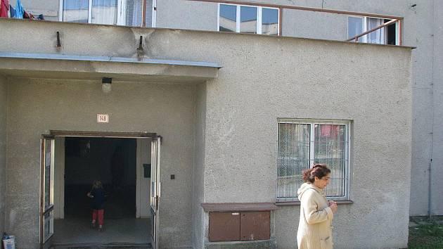 Ubytovna v Jerlochovicích, místní části Fulneku, kde bydlí několik romských rodin.