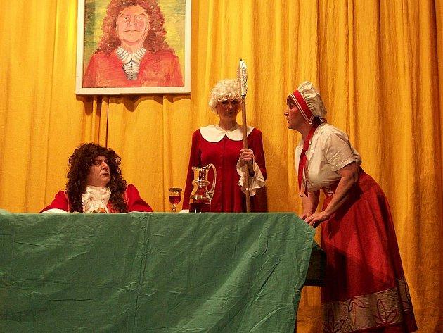 Vyprodaný sál kulturního domu v Bernarticích nad Odrou patřil v sobotu večer Bernackému Ochotnickému Divadlu BODLÁK, které uvedlo premiéru nově nastudované hry.