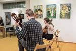 Setkání, takový má název výstava obrazů Pavla Strnadla, jejíž vernisáž se uskutečnila ve čtvrtek 14. listopadu ve Výstavní síni Albína Poláška ve Frenštátě pod Radhoštěm.