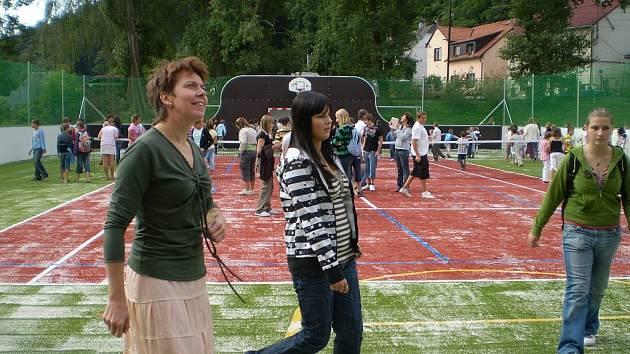Hřiště otevřeli tenistka Petra Kvitová a starosta Fulneku Josef Dubec.