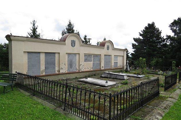 Hrobka rodu Sedlnitzkých zCholtic.