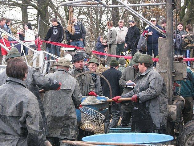 Podzimní pooderské rybářské slavnosti v Bartošovicích.