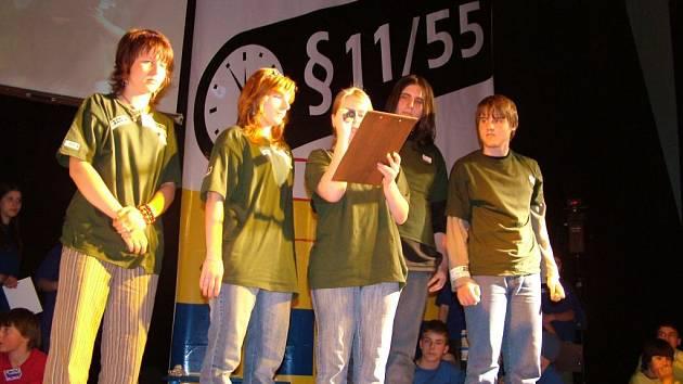 Školáci ze Základní školy Jubilejní v Novém Jičíně bojovali ve vědomostní soutěži Paragraf 11/55.
