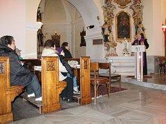 Vzpomínková bohoslužba za oběti tragédie ve Frenštátě pod Radhoštěm.