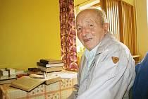 Tržnou ránu na hlavě způsobil v domově důchodců Aladar Horváth francouzskou holí stejně starému Bohumíru Göbelovi (na snímku).