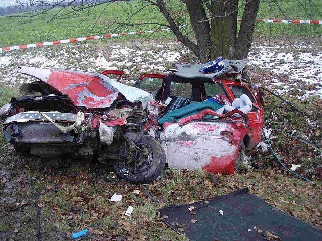 Tragicky skončila dopravní nehoda, která se stala 26. listopadu kolem jedné hodiny odpolední v Bravanticích na silnici I/47 mezi Bravanticemi a Bílovcem.