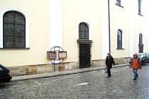 V Novém Jičíně se uskuteční vánoční bohoslužby ve farním kostele (na snímku) i ve Španělské kapli.