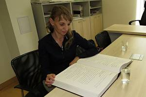 Antonie Pšenicová píše zápisy do kroniky Veřovic déle než dvě desetiletí.