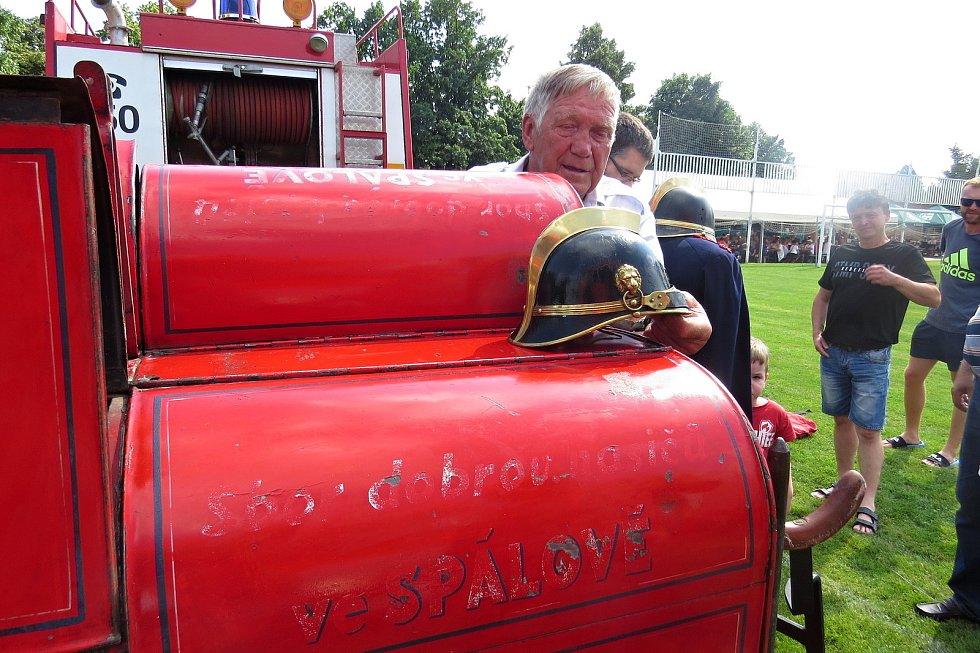 Hasičská stříkačka, kterou spálovští hasiči pořídili v červnu 1936 je funkční do dnešních dnů.