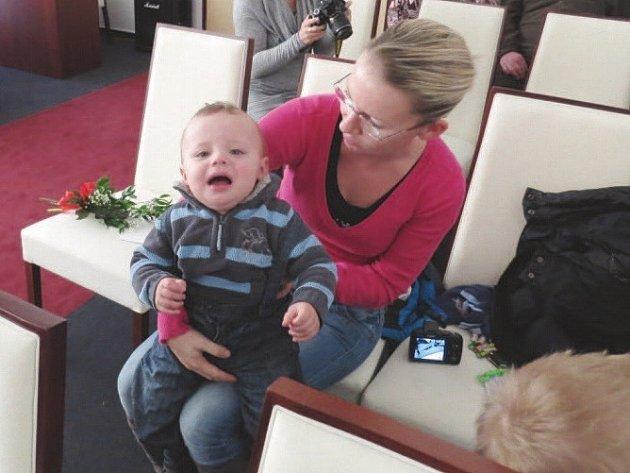 Michal Pončík na fotografii se svou maminkou.