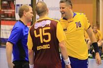 LUBOMÍR VEŘMIŘOVSKÝ pomáhal týmu v uplynulé sezoně na palubovce, ale během léta už se přesunul na lavičku, kde povede tým z pozice hlavního trenéra.