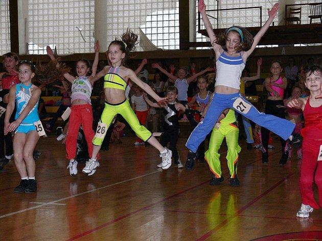 Na letošní oblastní kolo celostátní soutěže v aerobiku se do Kopřivnice sjel rekordní počet soutěžících dětí, slečen a žen.
