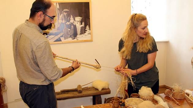 Příborské muzeum a jeho vedoucí Václav Michalička (na snímku) se věnují tradičním technologiím již několik let.