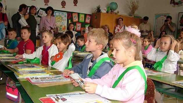 Kdo z nich by tušil, že někdy nepůjdou do školy kvůli tomu, že jejich paní učitelka nebo pan učitel budou stávkovat. Většina z nich to nyní zažije.