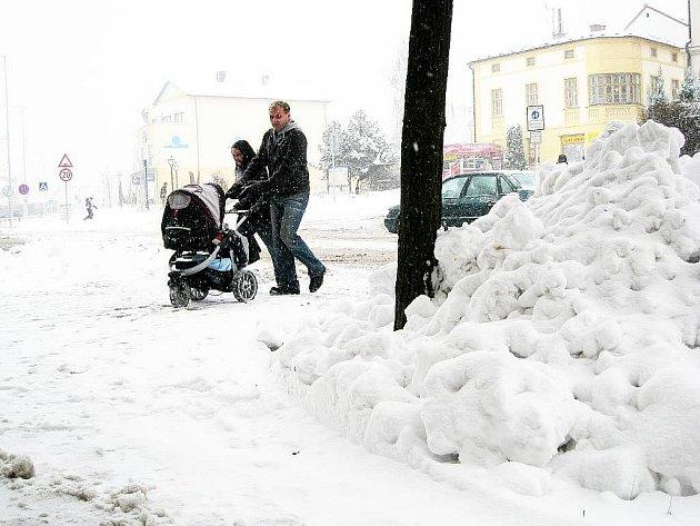 Podobné obrázky budeme od nynějška vídat častěji. Sněhu má podle meteorologů přibývat.