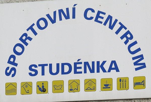 Za zmizení částky ve  výši zhruba pěti milionů korun má být zodpovědný ředitel společ- nosti Sportovní areály  Studénka, s.r.o., Michal  Krumpoch.