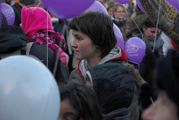 Přesných osm set přání Ježíškovi poslaly děti za doprovodu rodičů a kamarádů znovojičínského náměstí.