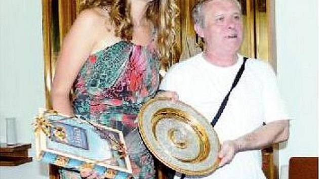 Oldřich Fiurášek, přítel rodiny Kvitových, nemohl při gratulacích wimbledonské vítězce chybět