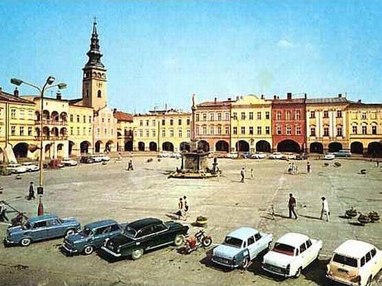 Masarykovo náměstí na dobovém snímku z roku 1970.