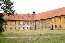 Piaristický klášter. Ilustrační foto.