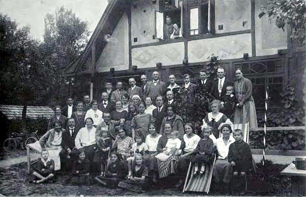 Snímek z kroniky Bildband Klantendorf - lázně v Kujavách v roce 1934.