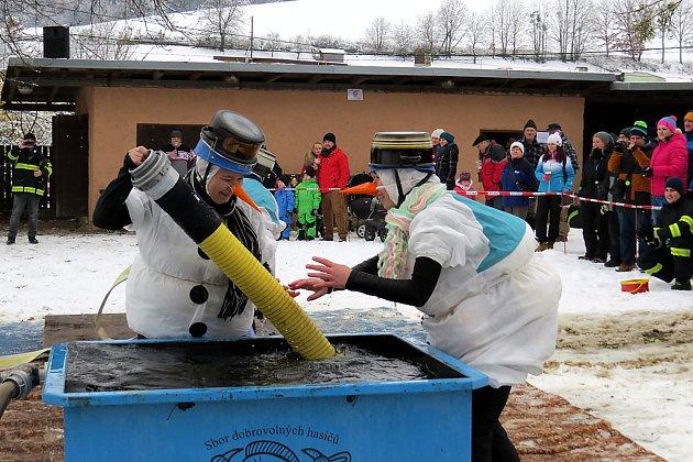 Mikulášská hasičská soutěž má v Lukavci dlouholetou tradici.
