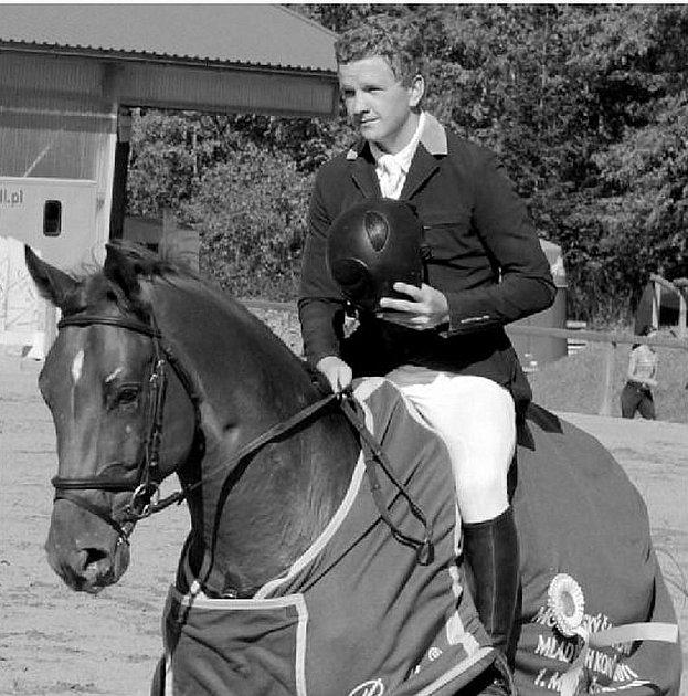 Vítěz kategorie šestiletých koní Jan Zwinger s Casperem 3 z JK Mustang Lučina.