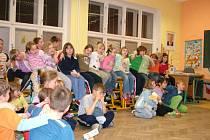 Noc s Andersenem zažily z pátku na sobotu děti z Lubiny.