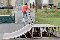 Skatepark se opravuje.