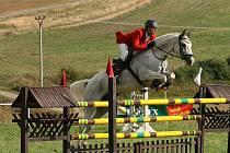 Jakub Ludvík na koni Suzi z domácího klubu zvítězil ve Velkopolomském poháru.