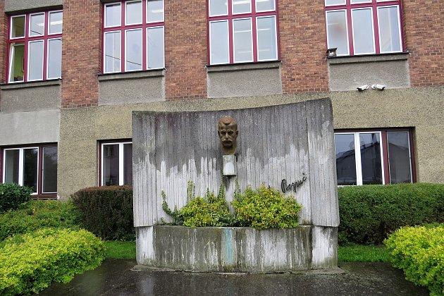 Základní škola vJistebníku měla loni devadesát let.