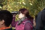 Na pozorování ptáků v jejich přirozeném prostředí se vydaly do Albrechtiček desítky zájemců. Foto: Stanislava Slováková