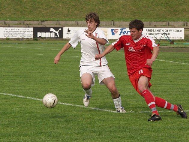 Ani v krajském semifinále Poháru ČMFS nenašli fotbalisté Nového Jičína přemožitele. Soupeře z Dolní Lhoty, hrajícího o stupínek vyšší soutěž, doslova převálcovali a po právu postoupili do finále.
