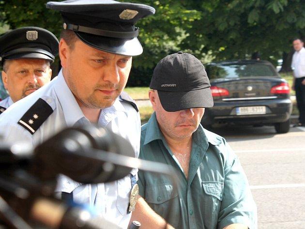 Polský řidič, který zřejmě zavinil středeční tragickou nehodu na přejezdu ve Studénce na Novojičínsku, je ve vazbě.