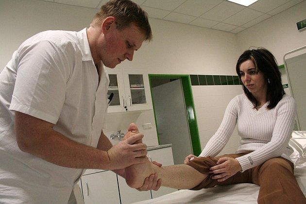 Za ošetření u lékaře budou muset pacienti od Nového roku zaplatit.
