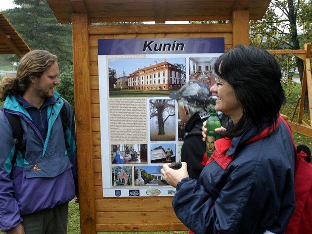 NOVÉ ODPOČÍVADLO v Kuníně se stalo významnou součástí procházející mezinárodní cyklotrasy Krakov-Morava-Vídeň.