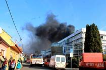 Požár ve sportovní hale v Novém Jičíně, která prochází rekonstrukcí.