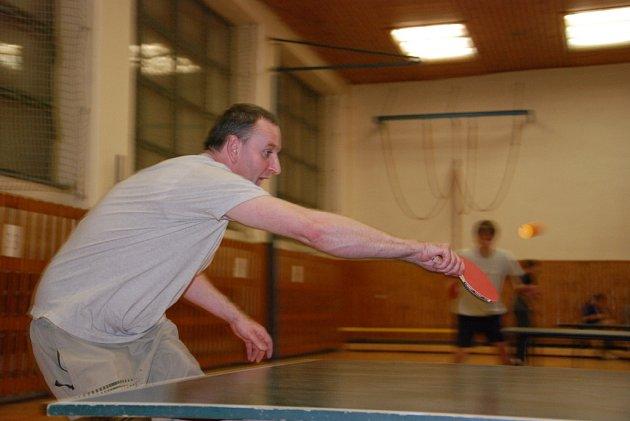 Ze sobotu na neděli 22. března proběhl v Bernarticích nad Odrou na Novojičínsku již 3. ročník nočního turnaje ve stolním tenise. Na ten se sjelo téměř padesát nadšenců.