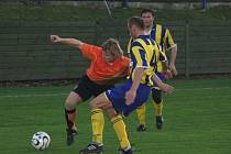 Fulnečtí (v oranžovém) v derby nad Opavou vyhráli.