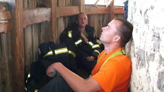 Většina hasičů toho v cíli na ochozu Trúby měla plné zuby. Závod ve Štramberku patřil určitě k tomu nejtěžšímu, co hasiči kdy absolvovali.