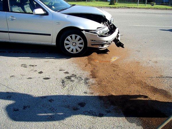 Ve čtvrtek 13.června zasahovali hasiči unehody osobního auta a motocyklu. Zraněn byl motorkář.