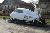 Až do amerického Nashvillu, do Lane Motor Musea, poputuje přesná replika aerosaní, které si v Tatře objednal Adolf Hitler.