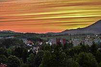 Východ slunce v pondělí 24. května 2021 ve Frenštátě pod Radhoštěm.