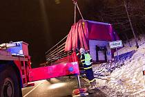 Nehoda kamionu na okraji Příbora.