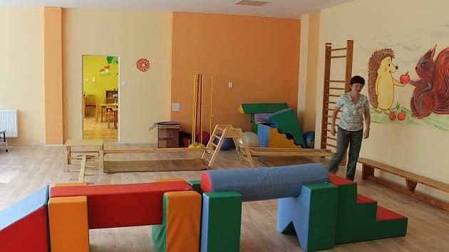 Prostorná a světlá tělocvična. To je to, čím se nyní může chlubit Mateřská škola Veřovice, kterou v sobotu 15. září oficiálně otevřeli po rekonstrukci.