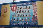 Kdo z vás může říct, že jeho tvář zdobila billboard u cesty? Studenti zdravotnické školy z Nového Jičína můžou. Jejich velmi netradiční tablo je k vidění v Šenově u Nového Jičína.