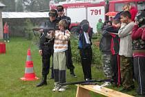 V zábavném odpoledni s názvem Malý záchranář představili svou práci složky IZS, tedy policisté, hasiči i záchranáři. Přítomní si mohli zastřílet ze samopalu nebo se zúčastnit různých soutěží.