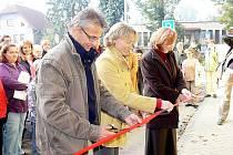 I když byla multifunkční budova v Rybí už otevřena v pátek 8: října, úřad, knihovna a další služby se sem přestěhují až v listopadu.