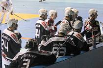 In-line hokejisté Nového Jičína dosud v průběhu sezony neztratili ani bod. V sobotu si mohou ve Šternberku připsat osmou výhru a jistotu finálové účasti v boji o extraligu.